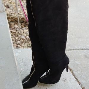 Thigh high front  zip boots